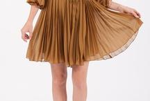 Dresses / Pretty dresses / by Tash Hatcher