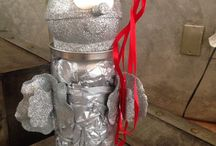Tin man candy gift wrapping / This is a box for candies, with a tin mans body, great idea for someone with a wizard of Oz play.