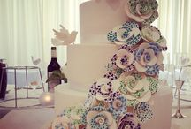 Wedding Cakes / Simply stunning Wedding Cakes we get to see on our travels. We hope they inspire you!