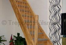 Holzwangentreppen / Bei eingestemmten Wangentreppen sind die Stufen in beidseitigen Holzwangen eingelassen. Eingestemmte Holzwangentreppen gibt es als offene oder geschlossene Treppen.