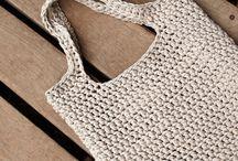Torba dziergana na szydełku | Siedlisko na wygonie / Duża wygodna torba (pomieści A4), zrobiona z włóczki Hooked Zpagetti (jersey z recyclingu).  Różne wzory i kolory, także z bawełnianego sznurka. Na zamówienie w Siedlisku na Wygonie na Mazurach