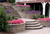 Steps / CastleLite Block offers a number of products and colors perfect for including steps as part of your project. Rich colors and multiple shapes and patterns complement any space and provide the versatility to create dynamic designs that are distinctly yours. The durability of our pavers makes them virtually maintenance free.