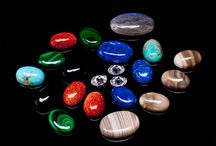 Stones we use / Precious fair-trade stones from all over the world that we use to design and make our bracelets