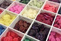 Scentchips / ScentChips zijn kleurrijke waxchips die een heerlijke en intense geur verspreiden wanneer je ze in een ScentBurner (theelicht) of ScentWarmer (elektrisch) plaatst.
