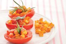 """Pomodori, red passion! / Da insalata, da sugo o da """"serbo"""", preferiteli maturi, rossi e del Sud; è arrivato il momento dei pomodori, gli ortaggi simbolo dell'estate!"""
