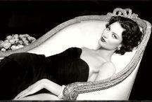 Old Hollywood Glamour / by Roxanna Urdaneta