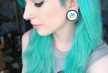 Undercuts / I love this hairstyle and her plugs are adorable