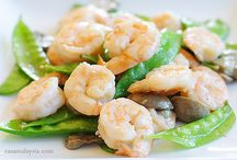 Seafood at Hing's Chinese Restaurant / Seafood: 13 items including... Shrimp with Snow Peas, Shrimp with Broccoli,