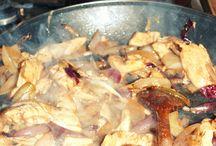 pollo saltado / http://madzik-gotuje.blogspot.com/2015/01/pollo-saltado.html