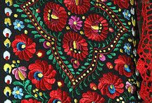Hungarian folk art and traditions / by izabella szuromi