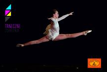 TANECZNE ZDERZENIA 2015 - UCZESTNICY (fot. Michał Matuszak) / Z okazji przypadającego 29 kwietnia Międzynarodowego Dnia Tańca, w ramach drugiej edycji festiwalu Taneczne Zderzenia, na scenie Teatru Muzycznego w Łodzi zaprezentują się łódzkie szkoły tańca i amatorskie zespoły taneczne. Ideą festiwalu jest konfrontacja wielu nurtów i stylów współczesnego tańca, prezentacja dorobku łódzkich tancerzy i choreografów oraz jednoczenie łódzkiego środowiska artystycznego.