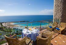 Wyspy Kanaryjskie / Canary Islands / Znajdziesz tu najpopularniejsze oraz najlepsze hotele na Wyspach Kanaryjskich polecane przez Travelzone.pl. The most popular hotels on Canary Islands.