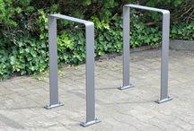 Fahrradständer, Fahrradanlehner, bicycle stands, Stadtmobiliar, street furniture / Thieme liefert nicht nur einfache Fahrradständer, sondern Systeme von Fahrradständern, die perfekt aufeinander abgestimmt sind. Alle gibt es in verschiedenen Ausführungen. Die einzelnen Bestandteile lassen sich optimal in bereits bestehende Elemente einfügen. Das Angebot an Stadtmobiliar umfasst Fahrradanlehner, Fahrradanlagen, Fahrradeinsteller, Fahrradschnecken und Kinderfahrradständer.