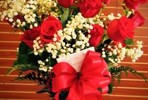 Valentine's Day Flowers / Valentine's day is right around the corner! Pre-order today and save!
