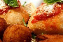 Prelibatezze Napoletane / Foto di cose buone da mangiare napoletane: #pastiera, #pizza...