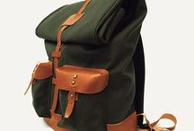 Ideal & Co - Pedreira Backpack / A practical model, excellent for an urban use or for a weekend of adventure. Its main characteristic is it large storage capacity. Which is very flexible and it's defined by the user, by unrolling the top of the bag to earn extra space. It also has a zip to access the interior without unrolling the top of the bag. In the interior had a padded compartment, ideal for laptops. In the interior there's the brand label which is dated and signed by the artisan who made the piece.