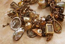 Charm and jewelry / Biżuteria / by selena gomez