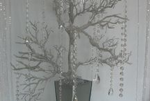 árboles sentro de demesa