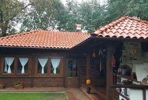 Pensiunea / Cazare, curte și împrejurimi.  Accommodation, garden and surroundings.