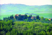 Pienza Hamlet / Beautiful #countryside hamlet in #Tuscany. #Gettingmarried #outdoor #civil #symbolic and #religious #ceremony  #accommodations