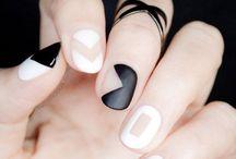 Make up, nails ect