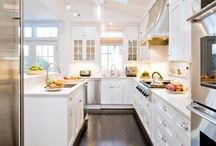 kitchens / by Katelyn Estrich