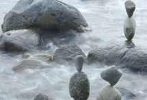 l pebbles l / I love the fleeting beauty of pebble sculptures.