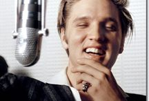 Elvis and same R&R stars
