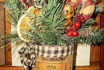CHRISTMAS GIFTS AND DECORATIONS / CHRISTMAS