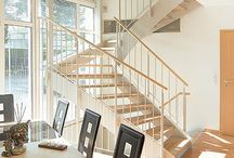 Flachstahlwangentreppe ATHEN / Die Tragkonstruktion einer Wangentreppe Metall wird als Flachstahl ausgeführt. Als einer der wenigen Treppenhersteller sind wir in der Lage, auf die Metalltreppen passgenaue Stufenbeläge in sämtlichen Materialien wie Granit, Marmor, Longlife, Holz und Glas aus einem umfangreichen Programm zu liefern.
