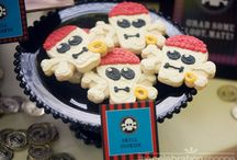 Jadon Pirate Birthday Party / by Amy Khan