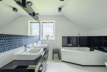 Pomysły na nowoczesną łazienkę. / Odważne kolory, mnóstwo kreatywnych rozwiązań, świeże i nowoczesne pomysły. Zobacz jakie łazienki odnajdziemy w sprzedawanych przez nas nieruchomościach.