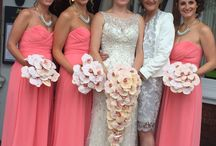Chic Peach and Ivory Wedding / Stunning but yet Chic Wedding created in Peach and Ivory flowers