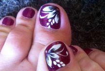 Toe nails art / by Carla Hughes
