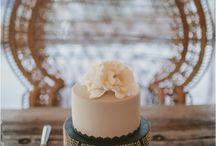 Cake decorating / by Suzanne Smith