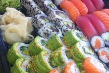 Miam ★ Sushis sashimis Makis!!! / by clémence