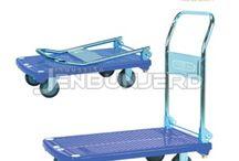 รถเข็นพื้นพลาสติก Jumbo / รถเข็นที่ใช้งานได้นาน ไม่เป็นสนิม เหมาะสำหรับงานที่สัมผัสความชื้น และทนต่อสารเคมี กรด ด่าง แผ่นพื้นฉีดขึ้นรูปมีลายกันลื่น น้ำหนักเบา แข็งแรง ทำความสะอาดง่าย มือจับและเสาเป็นสเตนเลส รถมาตรฐานประกอบด้วย ล้อเป็น 2 ล้อ ล้อตาย 2 ล้อ