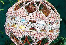 CROCHET - FREE Christmas Crochet Patterns / Free Crochet Patterns you can use for Christmas. Holiday Crochet.