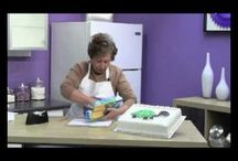Dessert Decorating - YouTube / by Vickie List