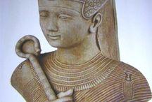 I династия