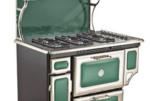 Vintage & Retro Gas Stoves / Here's some amazing vintage natural gas stoves and more retro takes on them. Whether you are planning a new kitchen, remodeling or just browsing, enjoy the variety!
