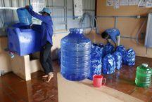UV+ Solaire (1001fontaines) / UV+Solaire au travers de 1001fontaines donne aux habitants des zones rurales au Cambodge un accès simple, à un prix abordable, à une eau de qualité. L'entreprise a développé un modèle de potabilisation et de distribution de l'eau et un modèle innovant de contrat de franchise des stations de traitement et de distribution au profit de microentrepreneurs locaux, améliorant ainsi les conditions de vie et la santé des populations et dynamisant le tissu économique local. ©Philippe LISSAC