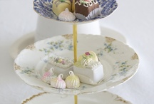 Cake Plates and Stands / by Crystal Besch