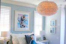 Kids Rooms / What do you think of the snowball chandelier in this Frozen themed bedroom at Marina Shores?   #LennarBayArea #Frozen #MarinaShores #Girlsrooms http://spr.ly/6496B4xa6