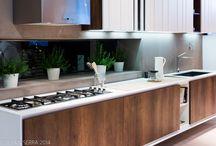 Keukens | Kitchens / De keuken is hét centrale punt in de woning. HuisMakeOver is ook KeukenMakeOver. Bel 088-6253600 als je klaar bent om te veranderen.