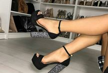 Sapatos, saltos, etc