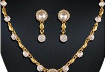 Fashion Necklace Sets / Shop online for traditional, american diamond necklaces set online for women. We have wide range of pearl, kundan, maang tikka set, thewa, choker and fashion necklace sets from Heenastyle.com