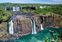 Argentina Maravillosa  Misiones / Las magníficas Cataratas del Iguazú, una de las Siete Maravillas del Mundo, está conformada por 275 saltos de agua caen desde las más diversas alturas.