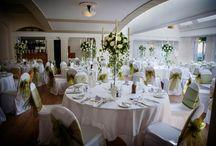 Theme - Classical elegance / White flowers, gorgeous centrepieces a neutral colour scheme
