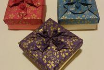 Origami models / Folded origami paper
